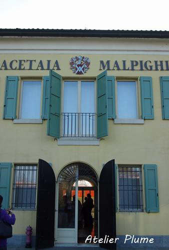 イタリアの旅  モデナのバルサミコ酢生産者を訪ねる_e0154202_18455411.jpg