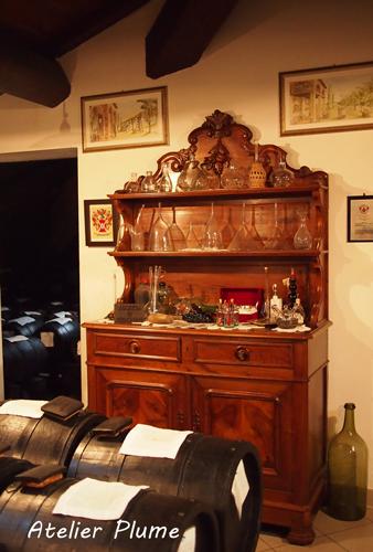 イタリアの旅  モデナのバルサミコ酢生産者を訪ねる_e0154202_18514330.jpg