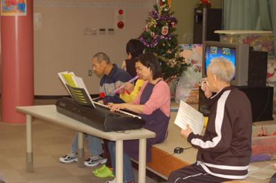 11/23クリスタルタウンへ外出&クリスマス会練習☆_a0154110_11312739.jpg