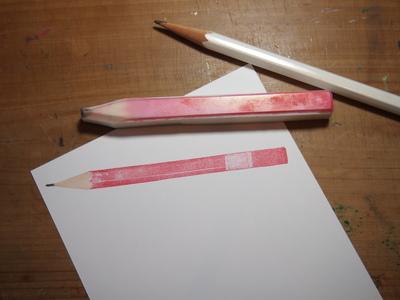 原寸大鉛筆はんこ と ちっちゃい鉛筆_c0154210_1975992.jpg