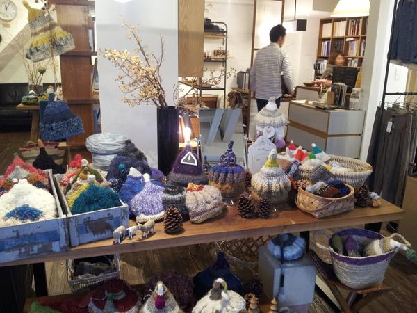 ELD  hand-knit cap exhibition_a0123724_031523.jpg