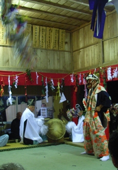 一夜の祭「栂尾神楽」に生きる_a0237545_0125749.jpg