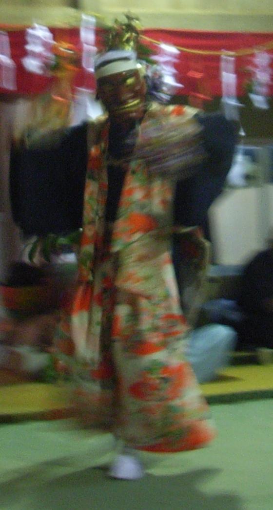 一夜の祭「栂尾神楽」に生きる_a0237545_0131587.jpg