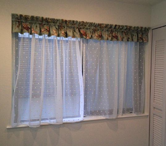 簡単・キレイな子供室のカーテンスタイル。_c0157866_21185330.jpg