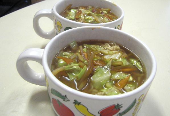 サッポロ一番野菜炒めのっけ。_c0119140_845950.jpg