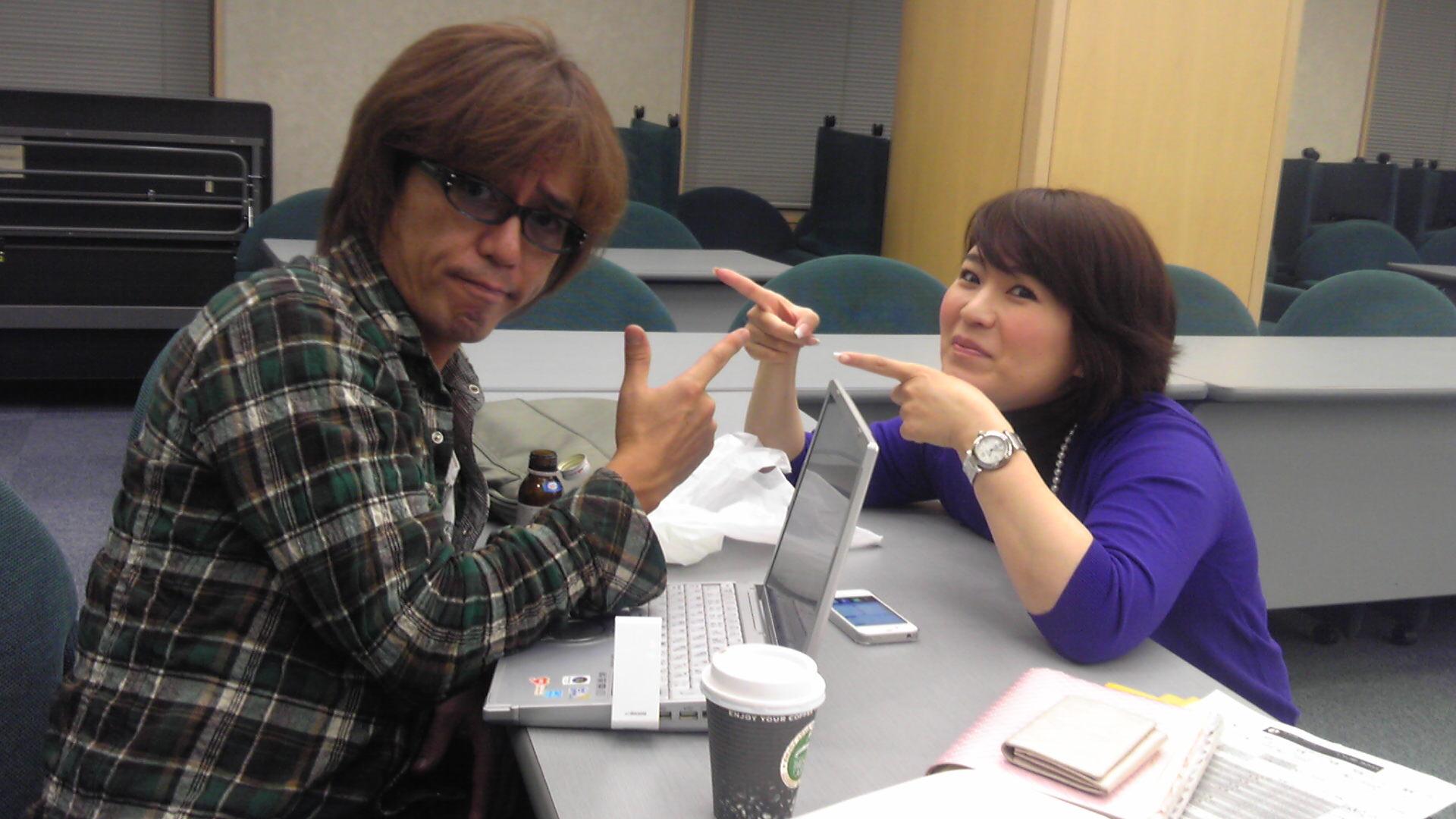 レッドリボンライブまで後2日。世界エイズデーに向けて、Yahoo!のトップページも変わります!日本での啓発の進化。山本シュウさんとYahoo!の阿久津さん☆ #rrl2011_e0142585_23185256.jpg