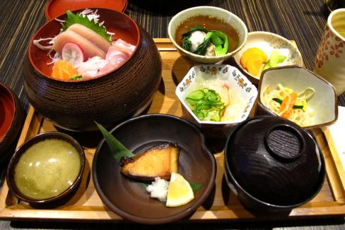 リッチモンドで懐石膳「Kiriri」_d0129786_155448.jpg