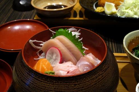 リッチモンドで懐石膳「Kiriri」_d0129786_159710.jpg