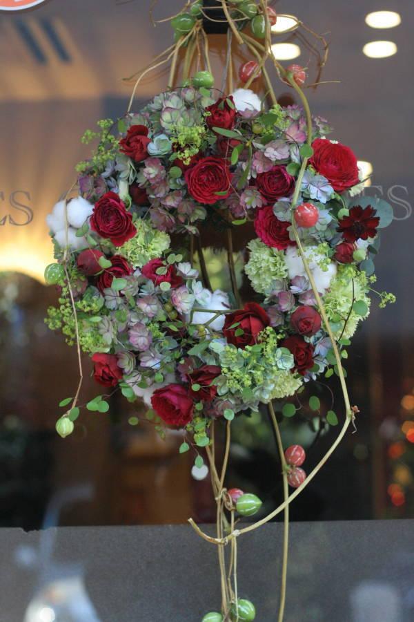 秋の終わりと冬のはじめに 紅葉と白雪 青山レ・クリスタリーヌ様の装花_a0042928_22185866.jpg