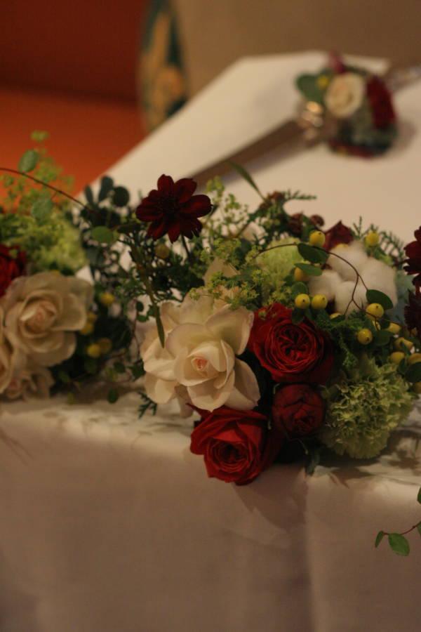 秋の終わりと冬のはじめに 紅葉と白雪 青山レ・クリスタリーヌ様の装花_a0042928_22202628.jpg