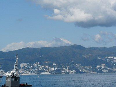 初島へ親睦旅行_f0019247_155263.jpg