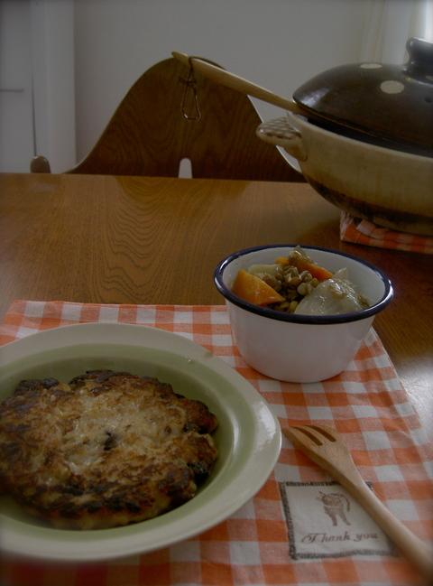 土鍋でコトコト野菜だけの塩麹ポトフと冷や飯パンケーキ_d0171071_9433380.jpg