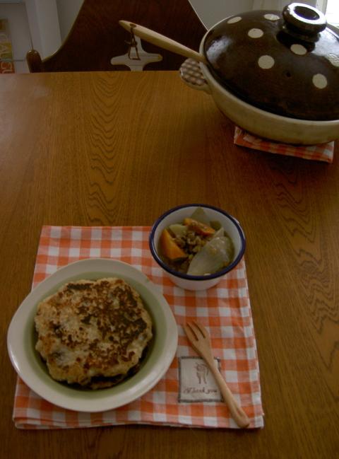 土鍋でコトコト野菜だけの塩麹ポトフと冷や飯パンケーキ_d0171071_9571385.jpg