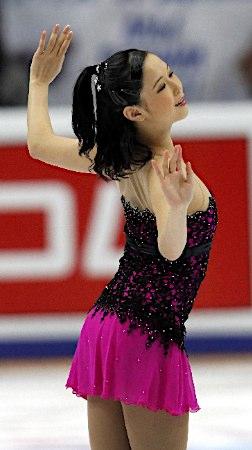 浅田真央選手が優勝、レオノワ選手とともにグランプリファイナル出場を決める -2011年ロシア杯_b0038294_23442778.jpg