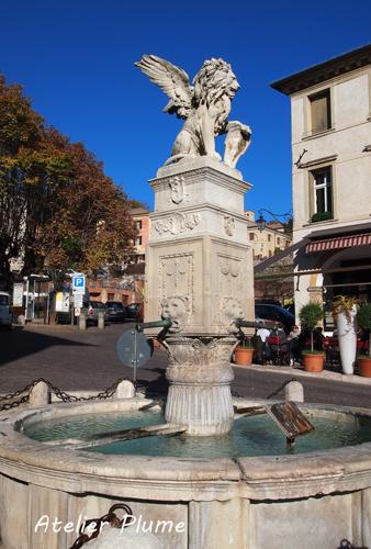 イタリアの旅  ヴェネト州の小さな町アーゾロへ_e0154202_197224.jpg