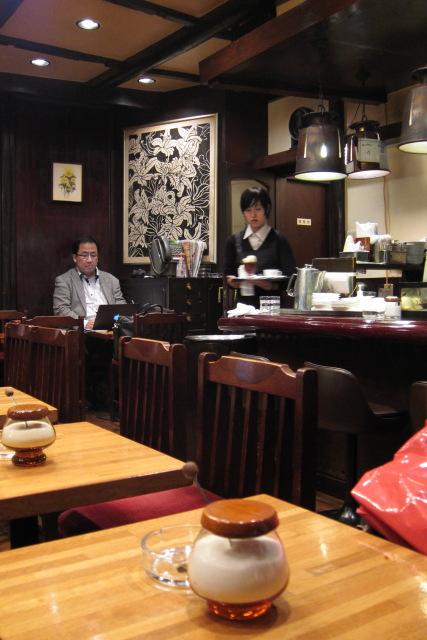 渋谷  金曜夜の喫茶Paris_b0061717_19462.jpg