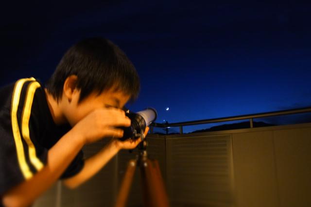 少年と望遠鏡。_c0067646_7252276.jpg