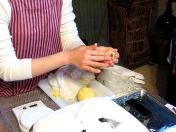 『町家で和菓子教室 其の九 洋風黄身しぐれ』ご報告_b0153663_18153066.jpg