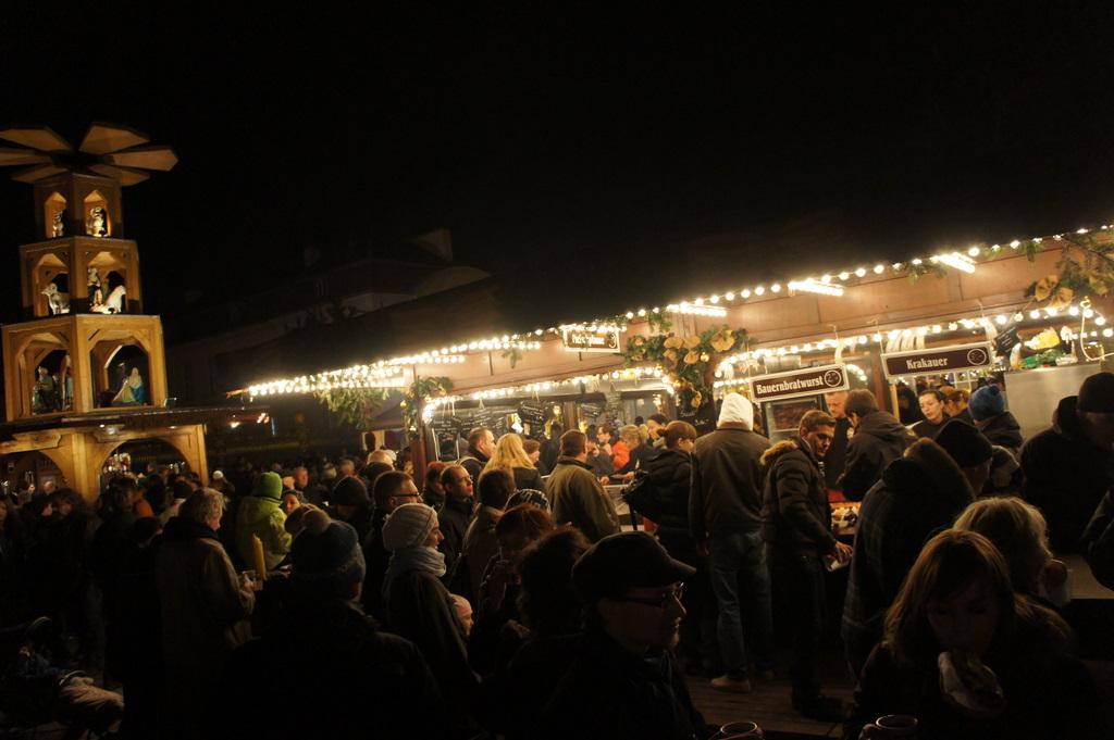 Weihnachtsmarkt am Schloß Charlottenburg_c0180686_21253168.jpg