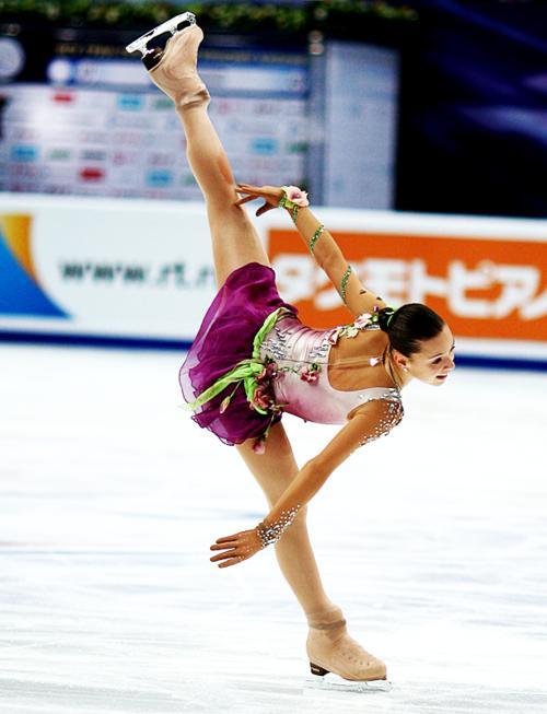 浅田真央選手が優勝、レオノワ選手とともにグランプリファイナル出場を決める -2011年ロシア杯_b0038294_153465.jpg