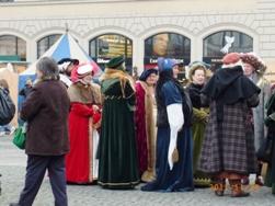 中世のクリスマスマーケット_e0195766_1411517.jpg