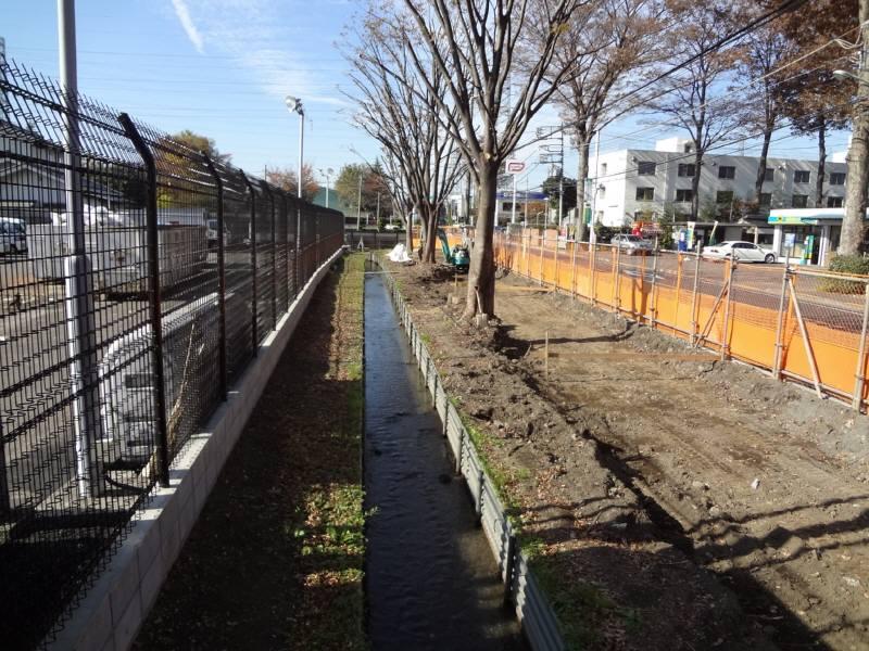 小川用水親水整備工事が進んでいます_f0059673_21192367.jpg