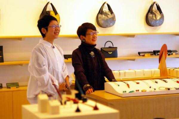 昨日、坂本理恵は坂本これくしょん店内で写真撮影でした(^^_c0145608_10492079.jpg