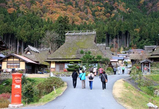 美山町 かやぶきの里 秋色_e0048413_1848056.jpg