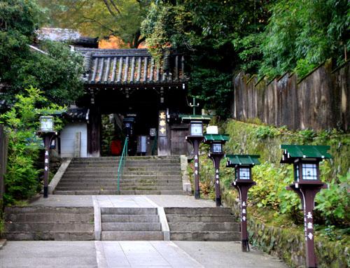 八坂神社から円山公園・長楽寺 紅葉を求めて_e0048413_22225094.jpg