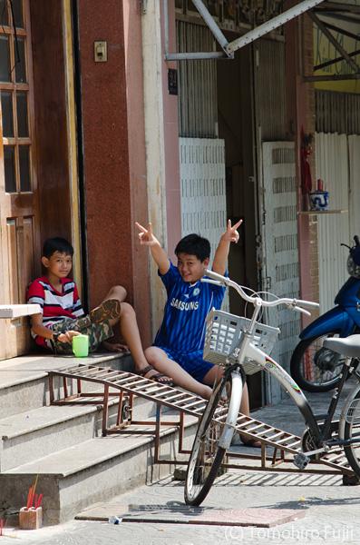 サイゴンでチョキ_c0030685_11530100.jpg