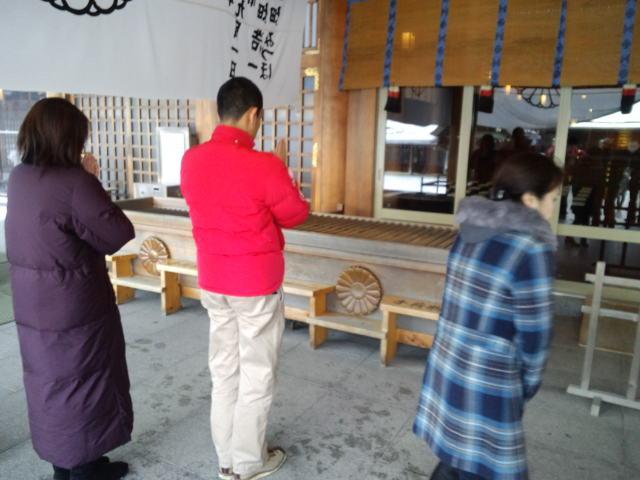 ランクル TOMMY札幌店 12月1日 月初、神宮参拝!_b0127002_21321421.jpg