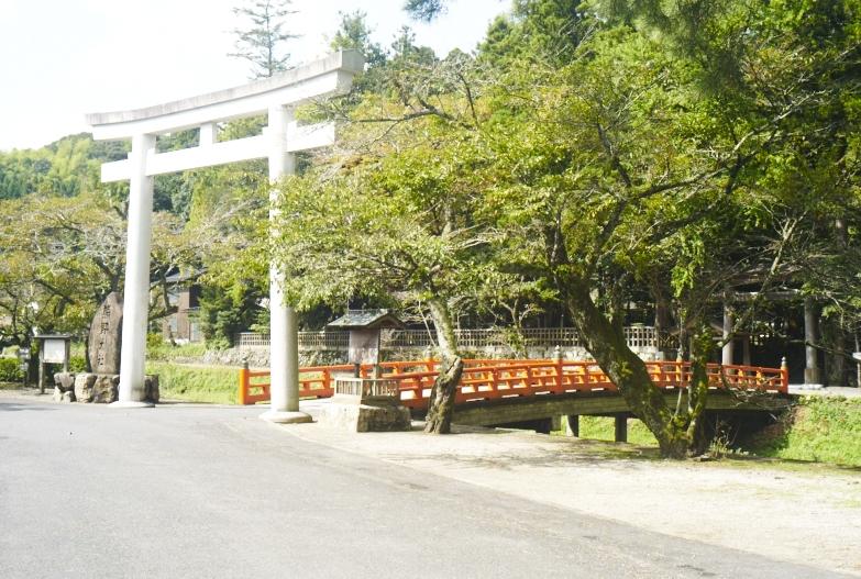 神社巡り_b0212922_1430247.jpg