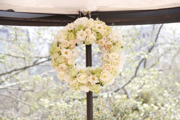 新郎新婦様からのメール アンティークと花 しかし花などどうでもいい 日比谷パレス様へ_a0042928_03126.jpg