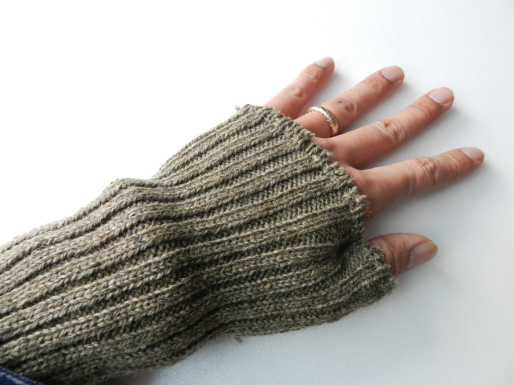 swedish army wrist warmer dead stock_f0226051_14154461.jpg