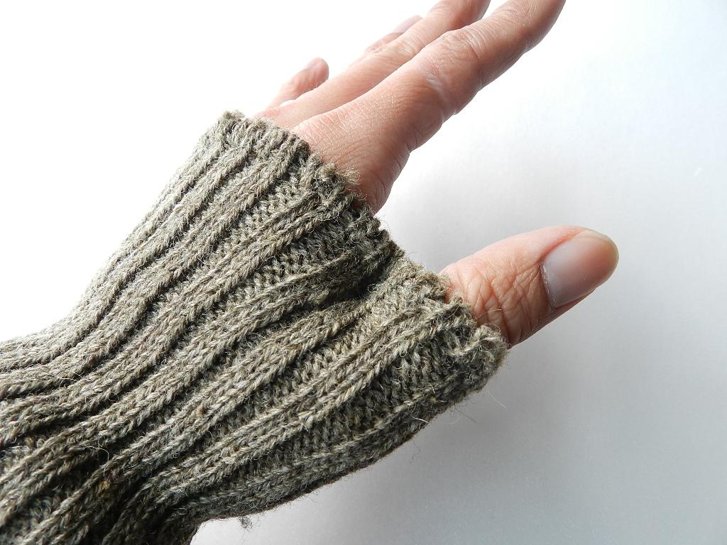 swedish army wrist warmer dead stock_f0226051_14173448.jpg