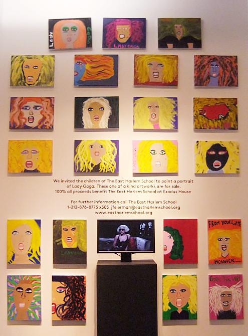 バーニーズ・ニューヨークで見かけたレディ・ガガさんの似顔絵展示会_b0007805_13583335.jpg