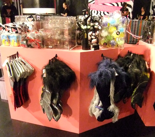 バーニーズ・ニューヨークNY本店で開催中のGAGA\'S WORKSHOP_b0007805_14384121.jpg