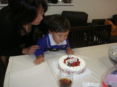 ルーマニア統一記念日と息子の誕生日_d0226963_20565415.jpg