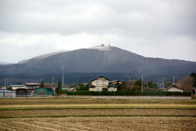 初冬の日本海。五能線と茅葺き民家など_a0136293_1742385.jpg