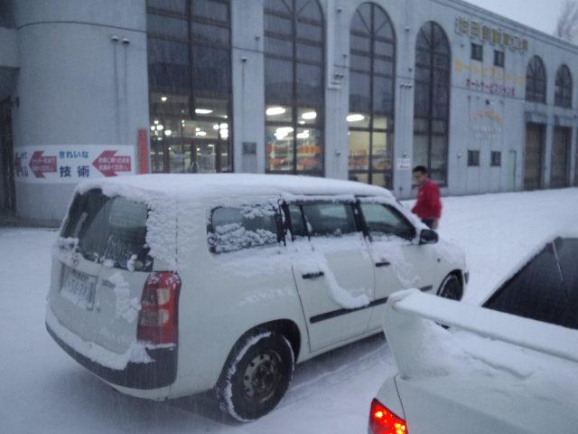 ランクル TOMMY札幌店 12月3日!本格的な冬の到来です☆_b0127002_20264354.jpg