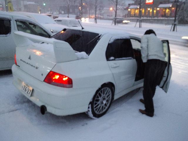 ランクル TOMMY札幌店 12月3日!本格的な冬の到来です☆_b0127002_2032535.jpg