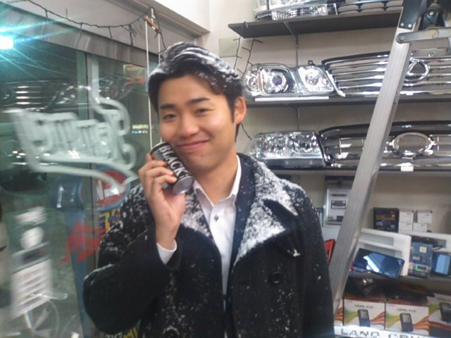 ランクル TOMMY札幌店 12月3日!本格的な冬の到来です☆_b0127002_2193583.jpg