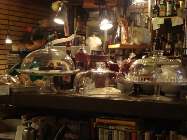 中野「無国籍食堂 カルマ」へ行く。_f0232060_2318446.jpg