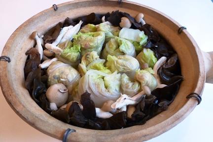 今月の薬膳メニュー「生姜風味の豚肉白菜煮」_e0148373_19185225.jpg