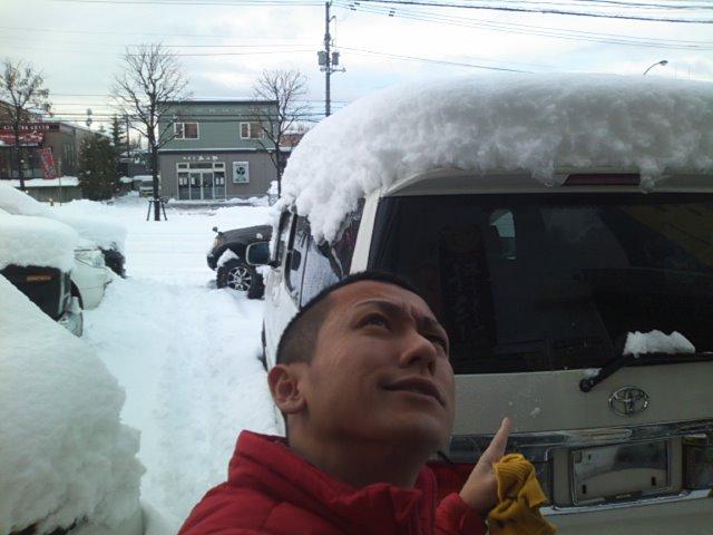 雪との戦いです(☆o☆)_b0127002_905870.jpg