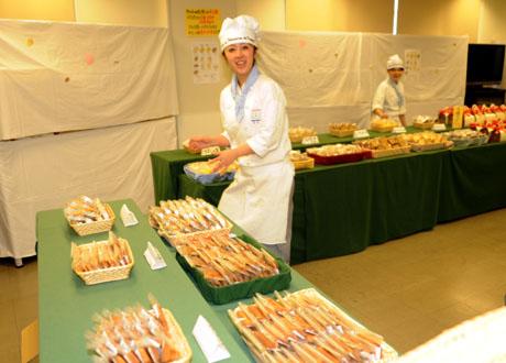 名古屋製菓専門学校第13回パンフェスティバル開催してます。_b0110019_1323143.jpg