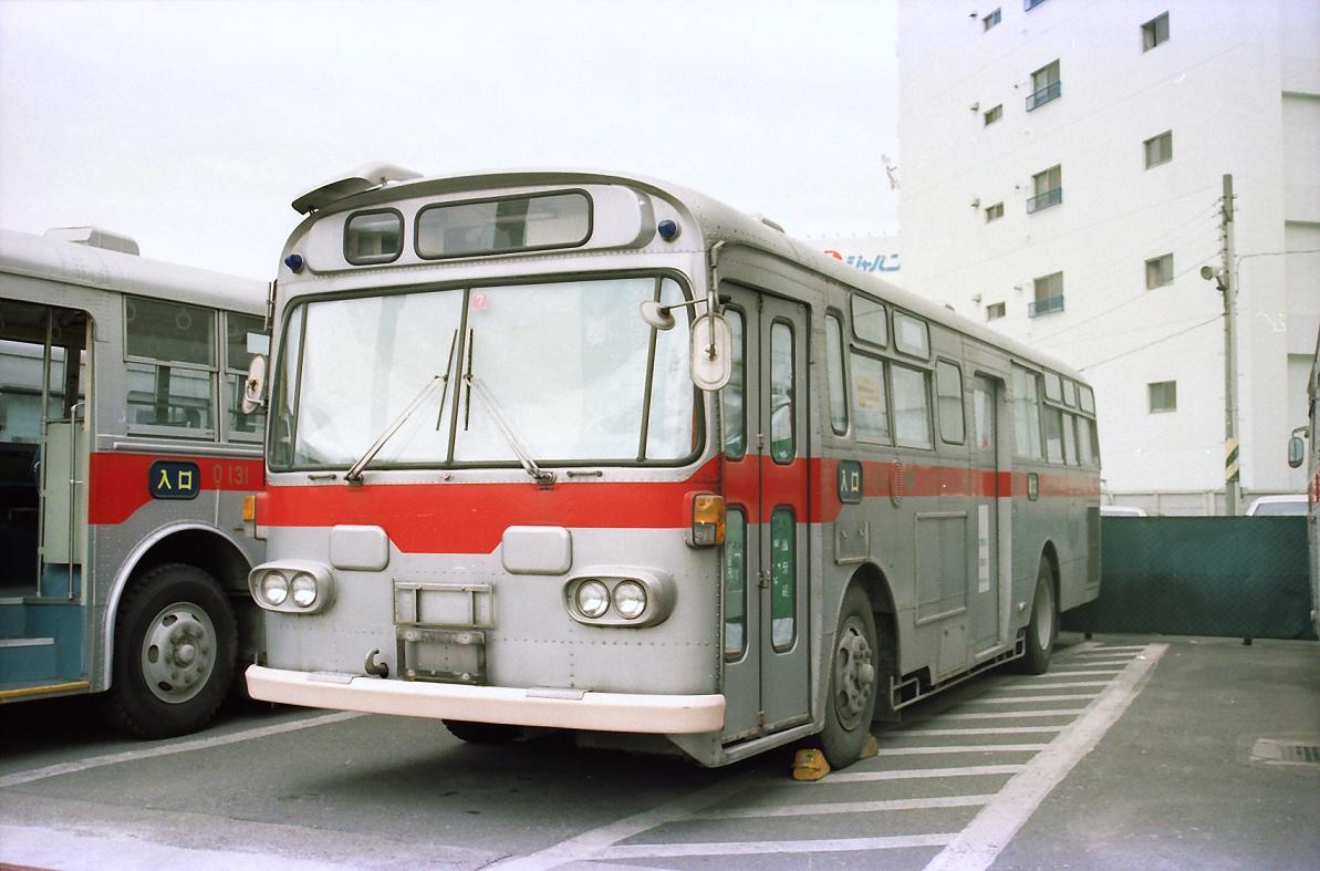 大橋営業所の廃車体 : 東急バス...