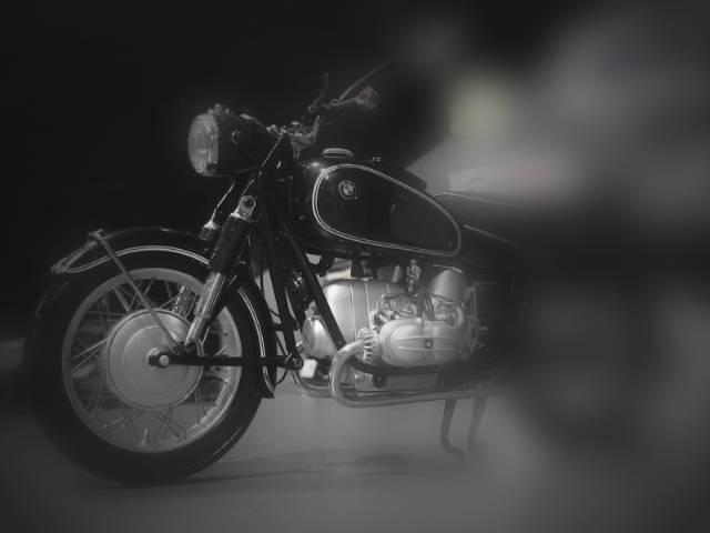 このバイクは何でしょう?_e0254365_2121555.jpg