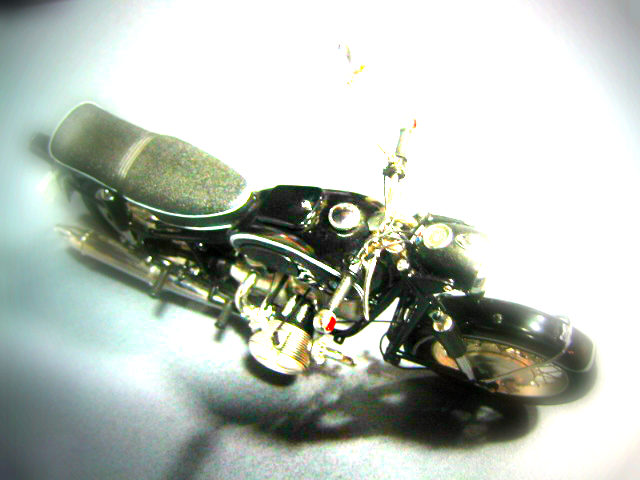 このバイクは何でしょう?_e0254365_2128507.jpg