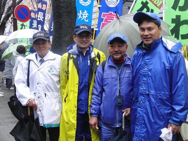 雨の中、懸命に走る選手に勇気をもらう「県市町対抗駅伝」_f0141310_7395637.jpg
